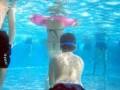 一老流氓在山东的海滨浴场借潜泳猥亵多名女子被抓!亚博体育下载ios人游泳要小心